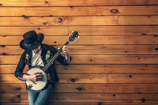 男性 ギター