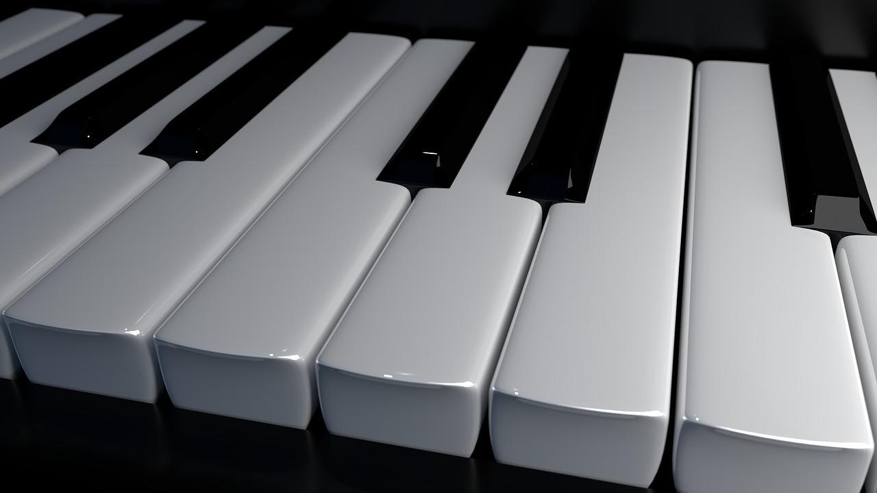 スクリーンの中でバーチャルピアノを楽しめる