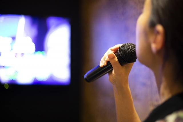 曲 狭い 音域 が 音痴な人でもカラオケで歌いやすい曲リスト50【男女別】  カラファン