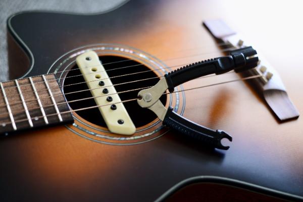 ギターの弦とニッパー