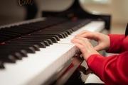子どものピアノの習い事は何歳から始めるべきか?目的別に紹介!【脳の発達/ピアニスト】