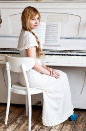 ピアノ発表会でふさわしい衣装は?おすすめの衣装を紹介!【女の子/中学生/大人】