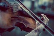 【バイオリン】ストラディバリウスとは?世界一と言われる名器についてご紹介!