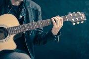 ギター初心者がはじめに覚えるべきコードはこれ!これで弾ける曲も合わせてご紹介