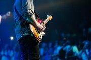 ギターストラップで一気に雰囲気が変わる!ストラップの種類や付け方ご紹介