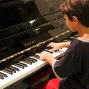 ピアノの補助台・補助ペダルの選び方とおすすめを紹介!