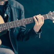 アコースティックギターのおすすめメーカー10選!