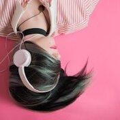 カラオケで難しい曲9選!【邦楽・洋楽・アニソン・ボカロ】