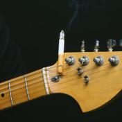 ギターのカポタストのおすすめ3選!【選び方/種類】