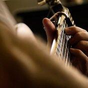 ギターのフレットの寿命はどのくらい?交換のサインと費用について紹介