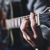 【ギター】ナット幅が違うと弾きやすさが違う!それぞれの特徴についてご紹介