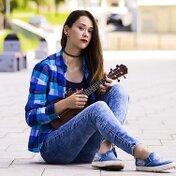 【10選】ウクレレで演奏するならこれ!有名曲から定番曲まで一挙ご紹介